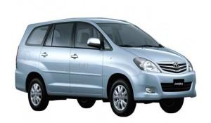 Toyota Innova 2012 2.5 E PS 8 STR BS-IV