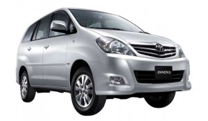 Toyota Innova 2012 2.5 E PS 7 STR BS-III
