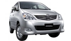 Toyota Innova 2012 2.5 GX 7 STR BS-III
