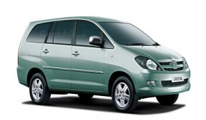 Toyota Innova 2012 2.5 E MS 7 STR BS-III